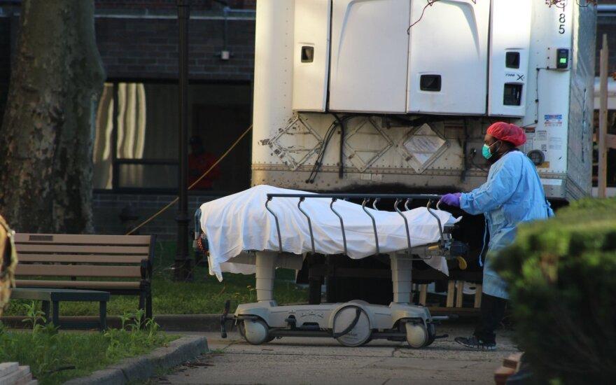 В США проходит 24-часовой онлайн-траур по умершим от COVID-19