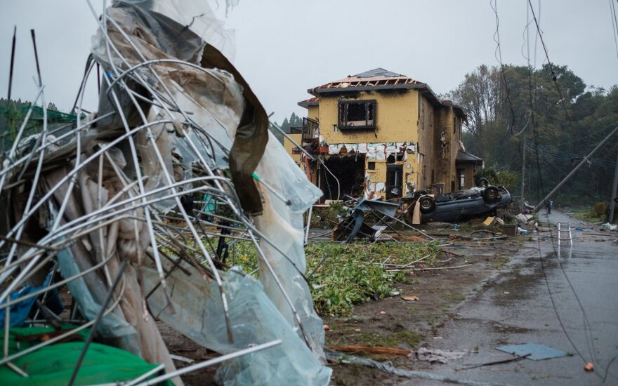 """Dėl taifūno """"Hagibis"""" Japonijoje paskelbtas aukščiausias pavojaus lygis"""