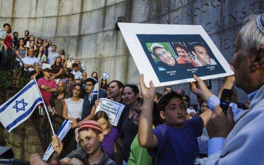 Izraelyje vyksta protestas dėl trijų paauglių pagrobimo ir nužudymo
