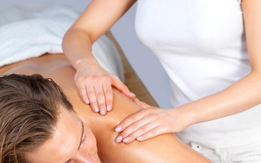 Эротический массаж для мужчины: массаж спины и шеи