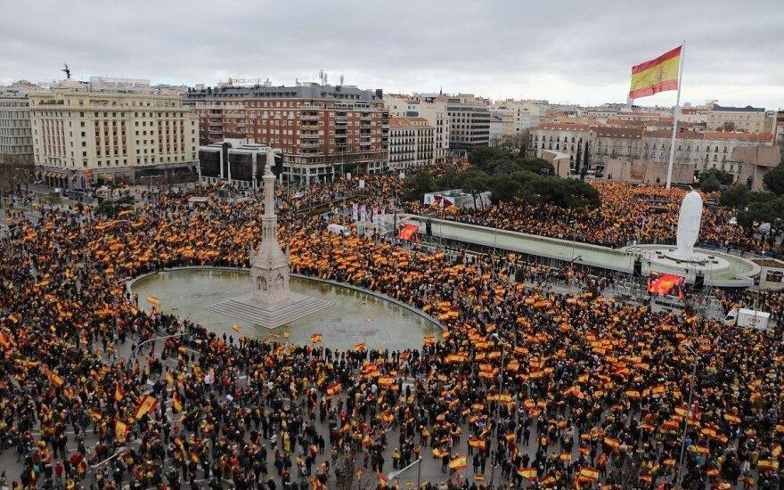 В Мадриде прошли массовые протесты из-за переговоров с Каталонией