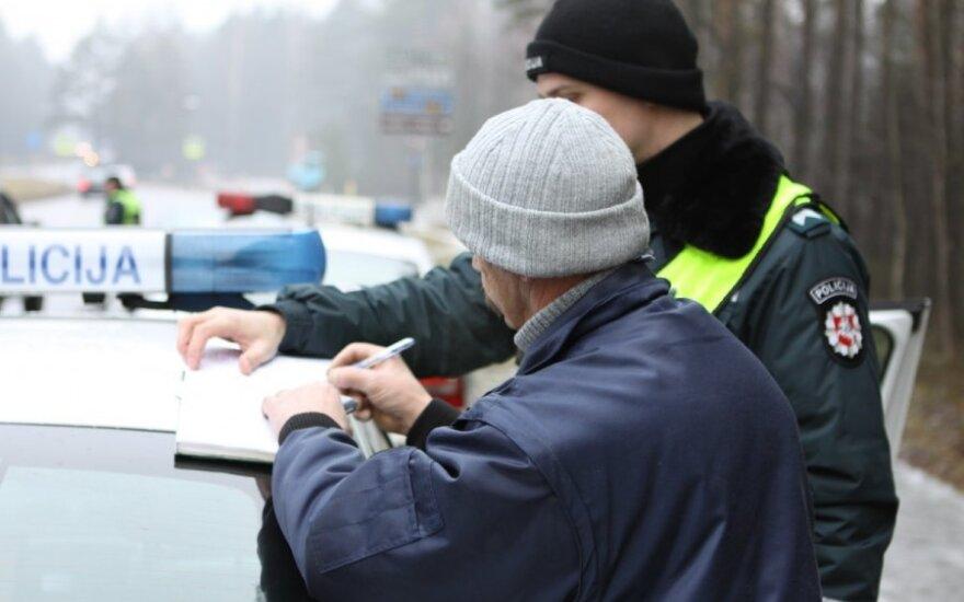 Рейды в Вильнюсе и Клайпеде: вильнюсец лишится работы, а клайпедчанин - машины