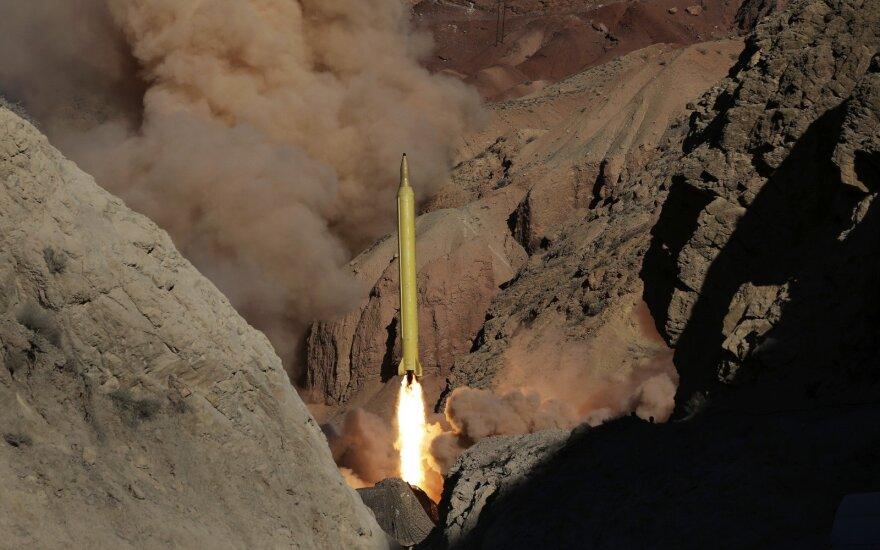 Иран испытал две баллистические ракеты