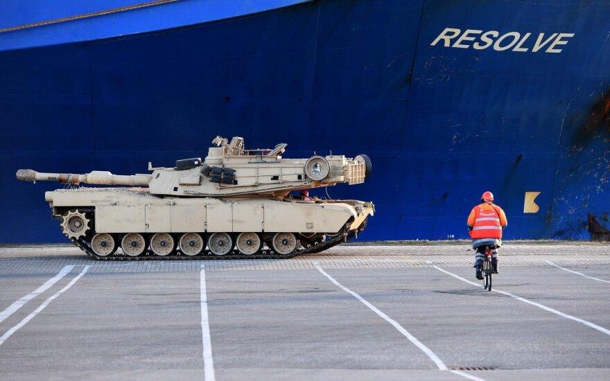 В выходные по дорогам Литвы будет передвигаться военная техника