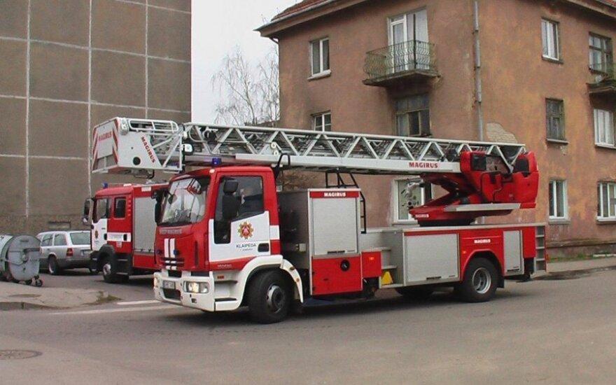 В Вильнюсе загорелся многоквартирный дом