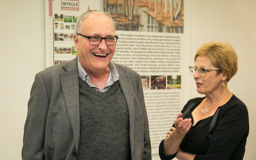 Efraimas Zuroffas, Rūta Vanagaitė