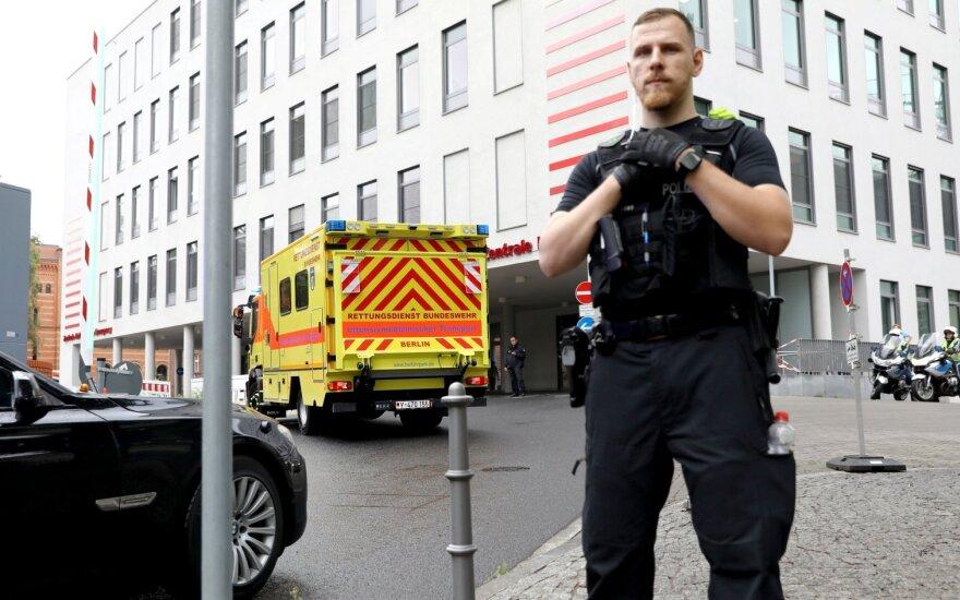 Navalnas išskraidintas į Vokietijos ligoninę