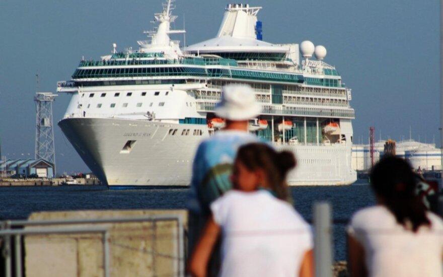 В Клайпеде пришвартовался шикарный лайнер