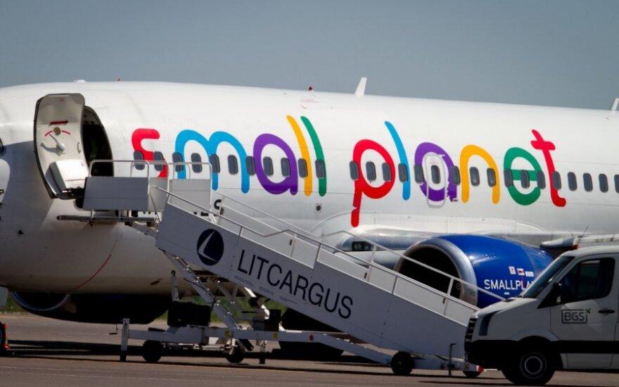 Полторы сотни отдыхающих сутки ждут самолет, который из Турции вернет их в Литву