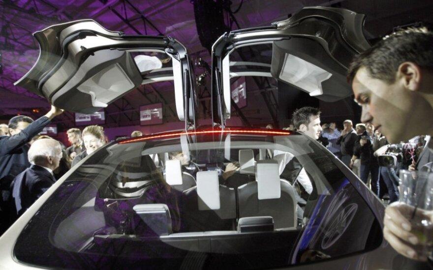 Электрические седаны Tesla Model S пользуются огромным спросом