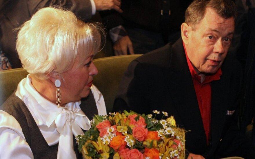 Николай Караченцов доставлен в НИИ Склифосовского