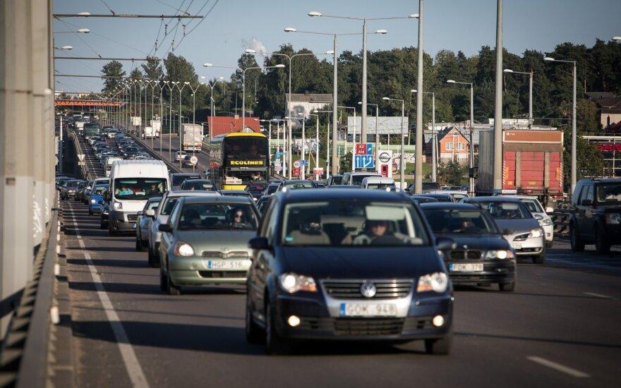 В Вильнюсе столкнулись 4 автомобиля: образовалась пробка