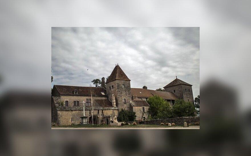 Во Франции продается легендарный замок c призраком