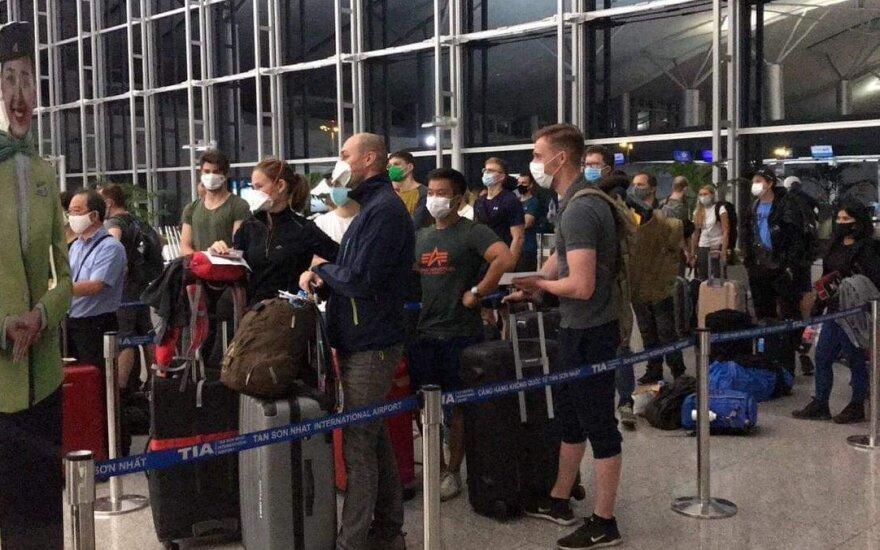 Kaune nusileido lėktuvas, į Lietuvą parskraidinęs piliečius iš Vietnamo ir Tailando
