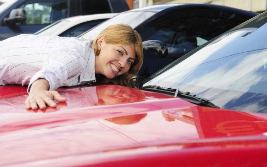 Жители экономят прежде всего на себе, и только потом – на автомобилях