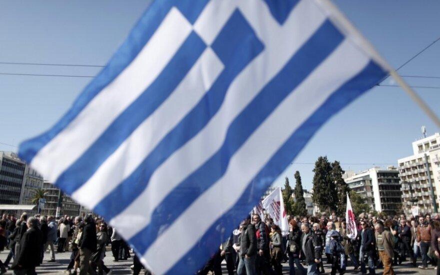 Graikiją vėl paralyžiavo streikai ir protestai