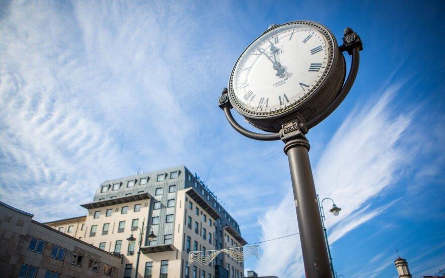Европарламент призвал пересмотреть переход на летнее время в ЕС