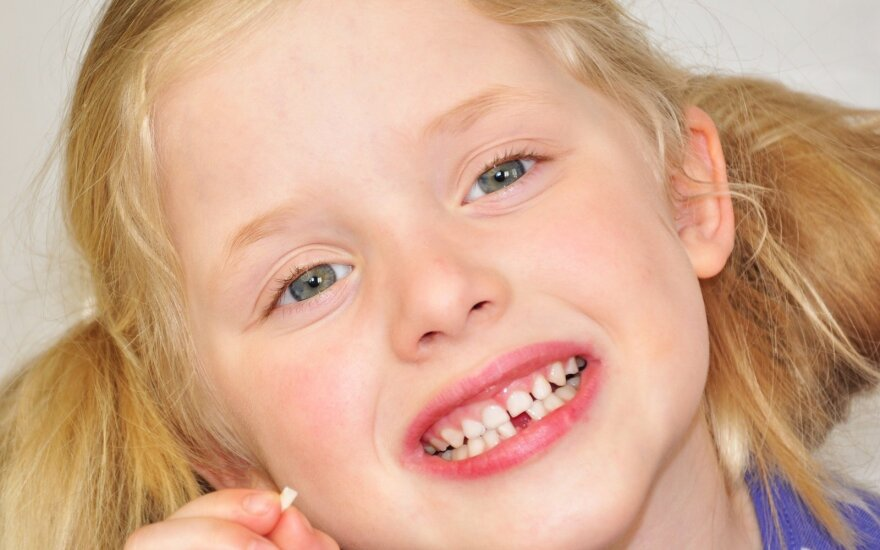 Рекомендации литовских стоматологов: как помочь ребёнку при зубной боли в домашних условиях?
