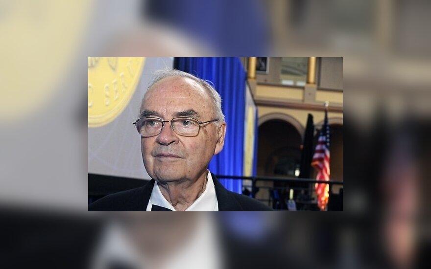 После смерти жены экс-сенатор в США решил жениться на мужчине