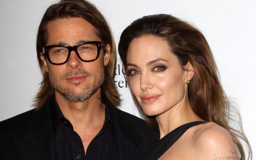 Джоли заступилась за Брэда Питта