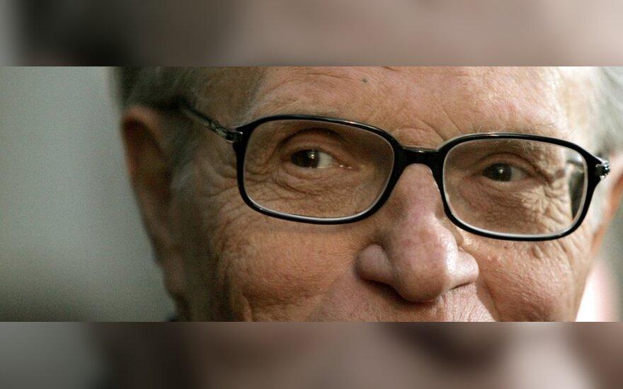 Легендарный телеведущий Ларри Кинг перенес операцию после третьей остановки сердца