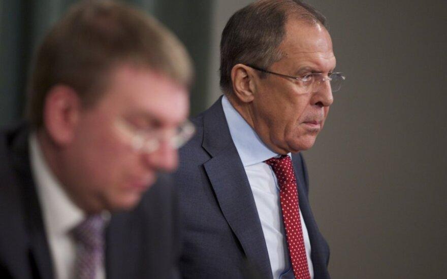 """Лавров предложил """"переподтвердить"""" международные договоры"""