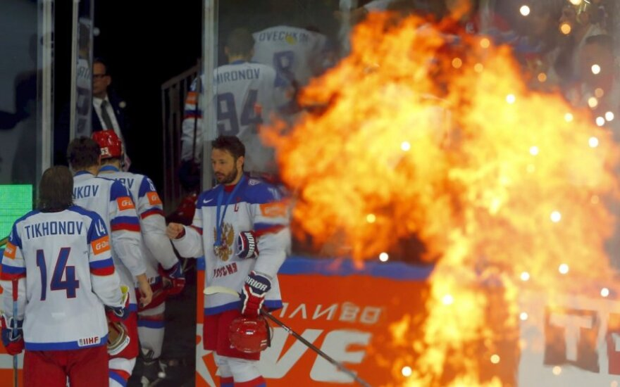 Россию оштрафовали за уход хоккейной сборной с награждения