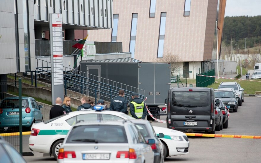 Сотрудников Дорожной полиции в Вильнюсе эвакуировали из здания