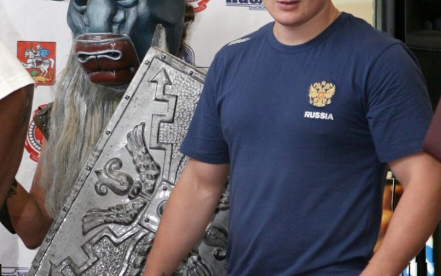 Тренер Поветкина установил слежку за спарринг-партнерами