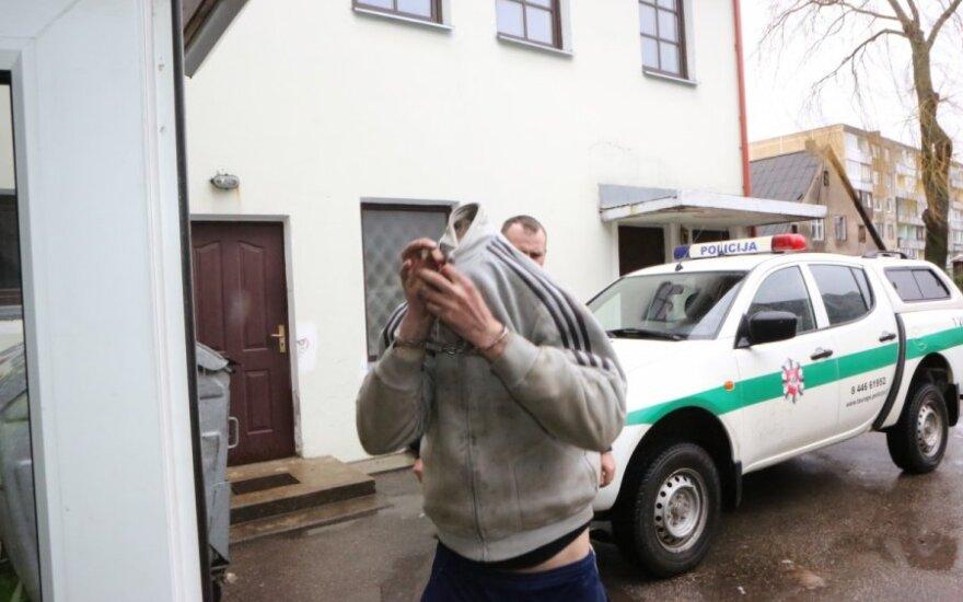 Ночью полиция спасала увезенную в лес девушку