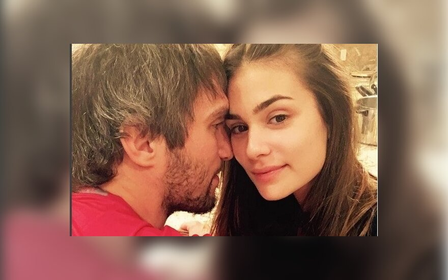 Жена Александра Овечкина ждет ребенка