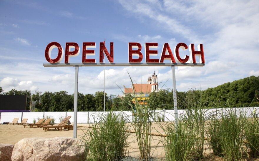 В центре Вильнюса открыт искусственный пляж