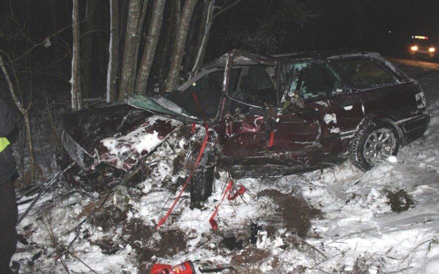 ДТП в Тельшяйском районе: от машин осталась груда металла