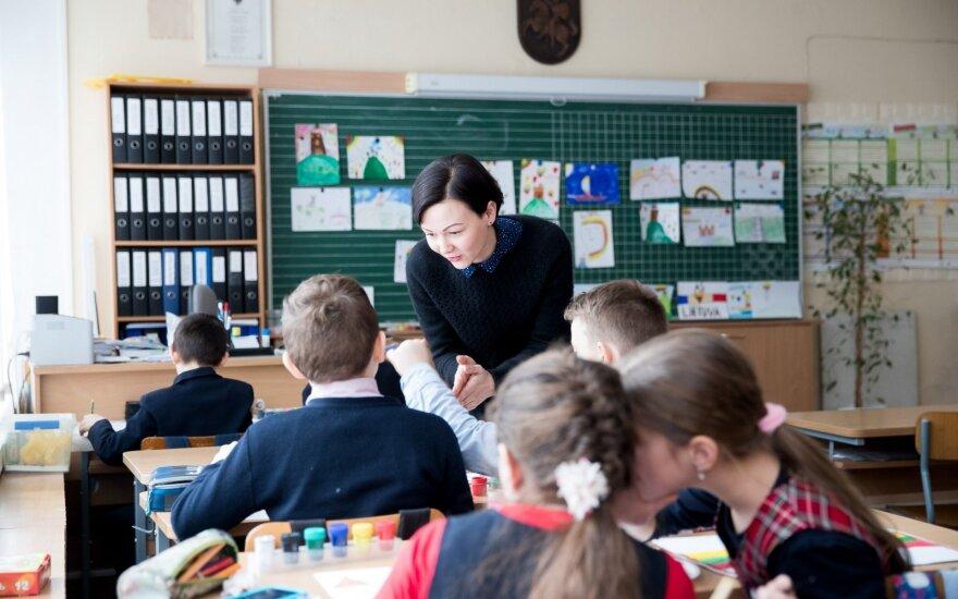 """Ana Pečiulienė - """"Renkuosi mokyti!"""" projekto pagalba tapusi mokytoja"""