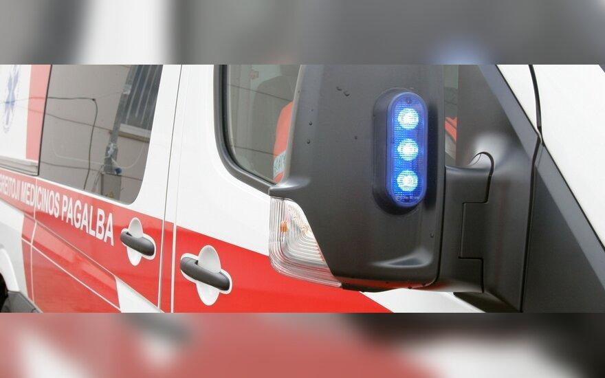 Последствия маневра тракториста: поврежденный автомобиль и раненная велосипедистка