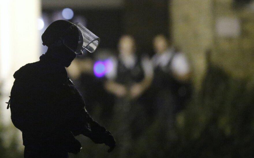 Французские полицейские открыли огонь по машине с мигрантами