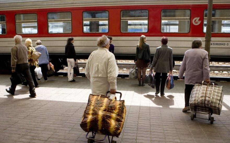 Пассажиров поездов в Литве пересадят в автобусы только после обсуждения с местными жителями