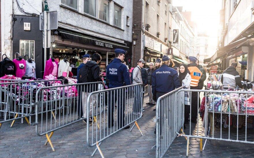 Полиция задержала трех человек в брюссельском районе Моленбек