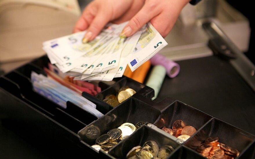 Maxima pradeda prekybą eurais