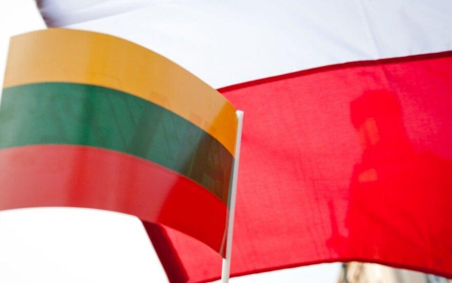 Lucas: Polska przejrzy zasady wydawania Karty Polaka