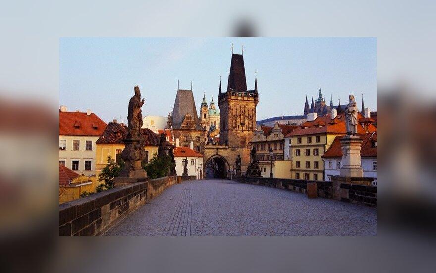 Чехия: банковских счетов оппозиционеров не выдали