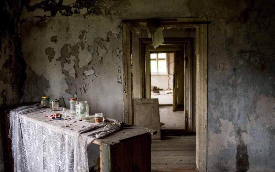 Apleistas namas Latvijos pasienio miestelyje Egipte