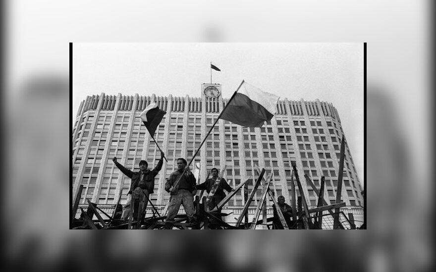Олег Климов. Защитники «Белого дома» во время августовского путча 1991 года. Москва.