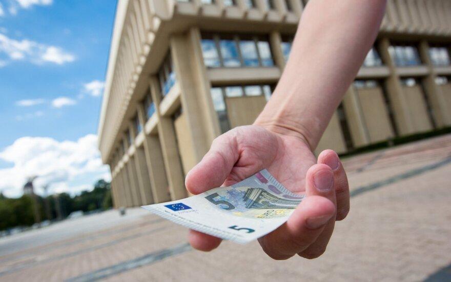 Парламент Литвы любой ценой пытается вернуть на обсуждение вопрос повышения зарплат политикам