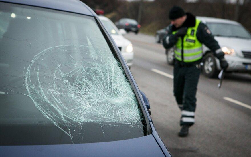 В Вильнюсе автомобиль такси сбил мужчину