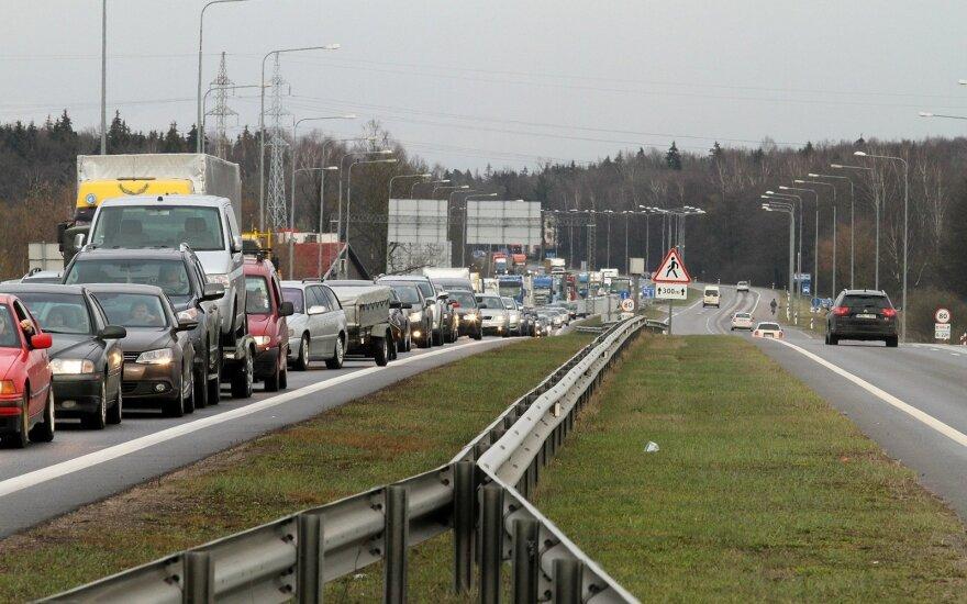 Ремонт автомагистрали у Каунаса: водителям придется вооружиться терпением