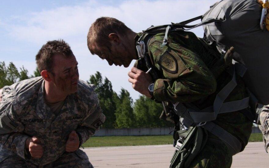 В Рукле прошла совместная десантная операция военных Литвы и США