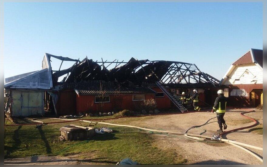 В деревне Русу Обелинас сгорело все хозяйство одной семьи