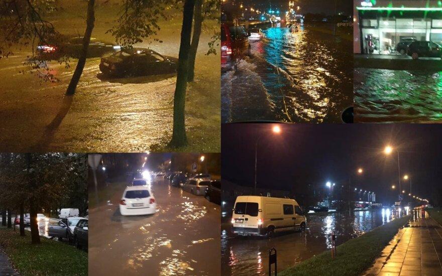 Сильный дождь затопил улицы Клайпеды