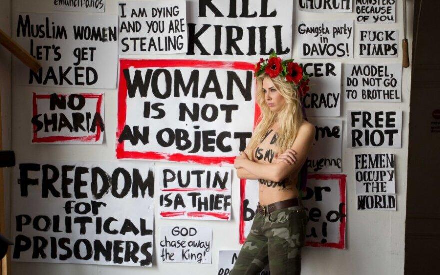 Włochy: FEMEN rozebrały się dla Berlusconiego